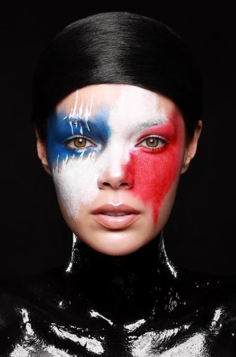 visage bleu blanc rouge artistique. Voilà pour votre maquillage « le  drapeau français » spécial supporter
